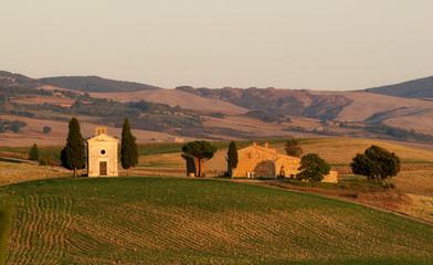 Kapelle und Bauernhof in der Toskana val d orcia