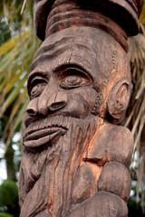Sculpture en bois, Nouvelle Calédonie