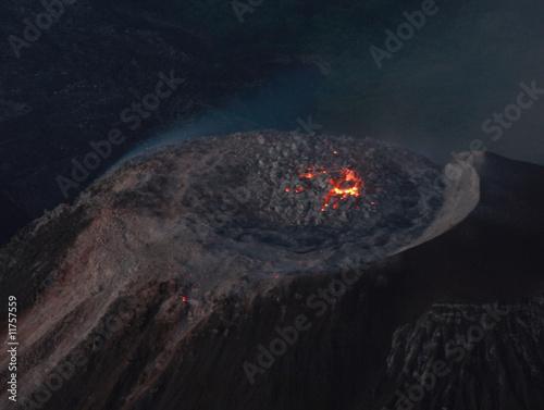 Vulkan Santa AMria mit glühendem Lavadom - 11757559