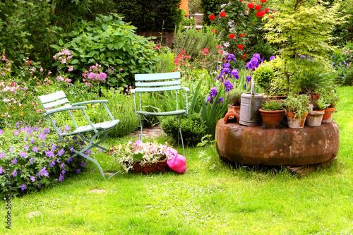 Staande foto Tuin Hausgarten Stilleben