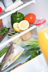 Refrigerateur avec aliments