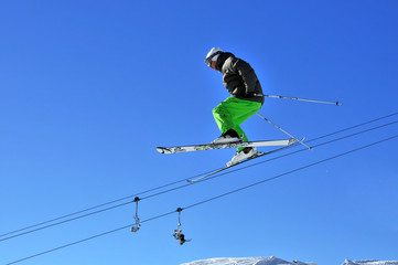 Aeroski: young skier doing a jump