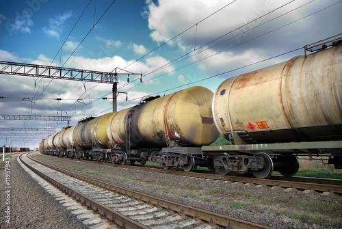 Oil and fuel transportation by rail - 11937943