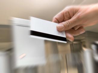 badge sécurité accès entreprise magnétique carte pointer pointag
