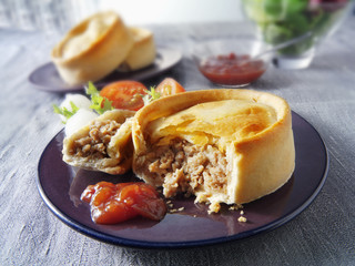 scotch pie (minced lamb pie, scotland)