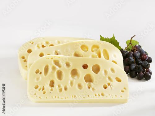 Сыр твердых сортов производство Беларуси от 145 руб со склада в Москве.