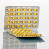 vitamin e capsules in packaging