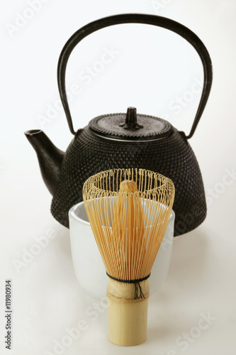 teapot, bowl and tea whisk