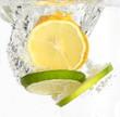 Zitrone und Limette - Ins Wasser gefallen