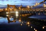 Pejzaż przedstawiający most Grunwadzki w Polsce.