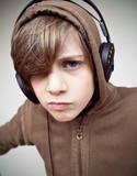 adolescent musique dj casque écouter mix electro garçon poster