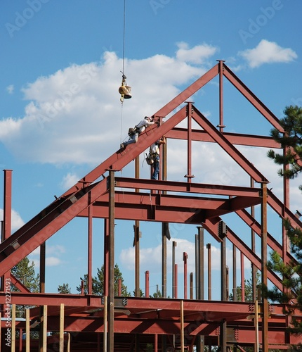 construction d 39 une charpente m tallique de v viga photo libre de droits 12271593 sur. Black Bedroom Furniture Sets. Home Design Ideas