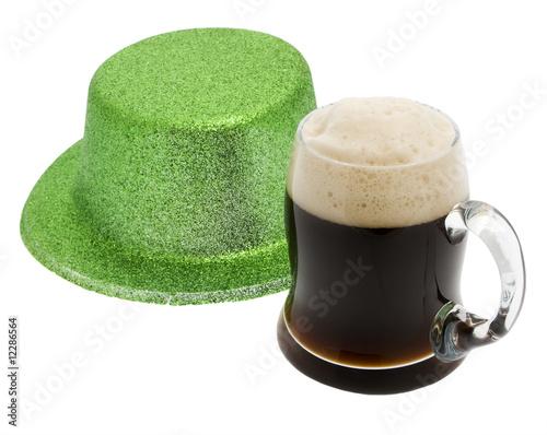 grüner Hut mit Schwarzbier, Saint Patricks day