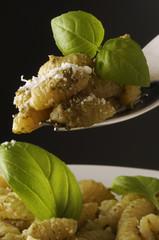Gnocchetti sardi al pesto genovese - Primi - Malloreddus