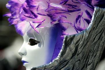 maschera di profilo al carnevale di Venezia