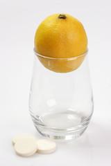 Zitrone im Glas