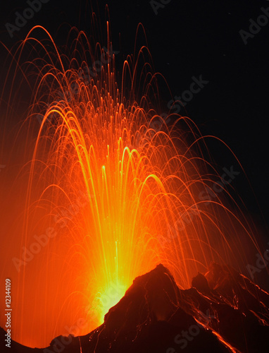 Leinwanddruck Bild Night of fire at Stromboli