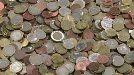 Geld greifen und zurückschütten