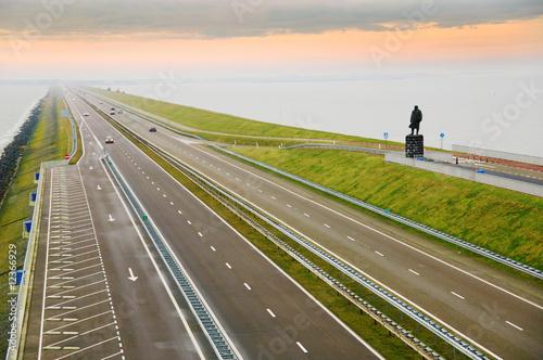 Staande foto Dam Afsluitdijk, Holland
