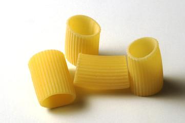 Mezze maniche rigate - Pasta italiana cruda