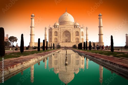 Taj Mahal et drapeau indien