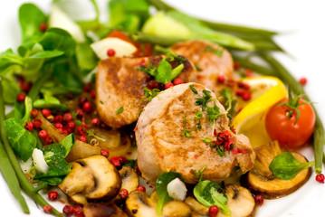 Filet vom Schwein,gebraten - mit Pilz,Salat