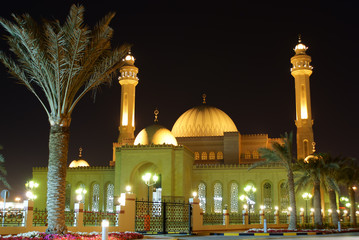 Al Fateh grand mosque in el Manama Bahrain at night