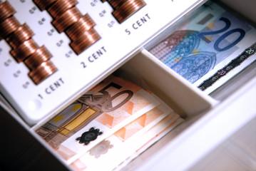 Geld in Geldkassette