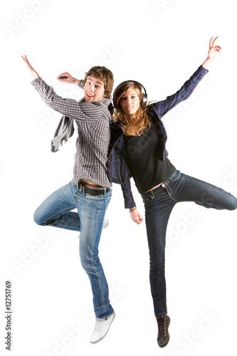 Jeunes qui sautent