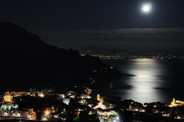 Ravello a la luz de la luna