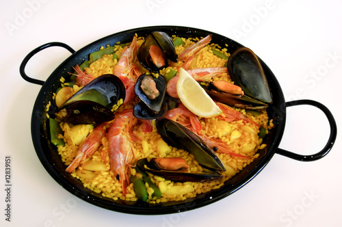 Spanish rice: paella