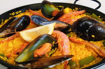 Spanish rice: paella
