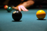 play billiards (pool)