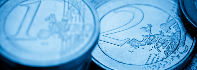 euro cash close up - argent pièces d'euros en gros plan