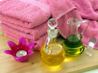 Oele und Tücher für Massage/oils and towels for body massage