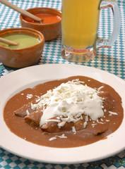 Enfrijoladas. México