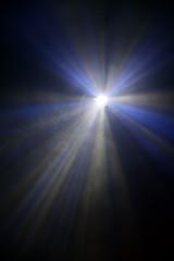Scheinwerfer und Lichtstrahlen