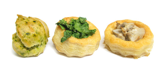 Party pies with ramson, basil, cheese and mushrooms