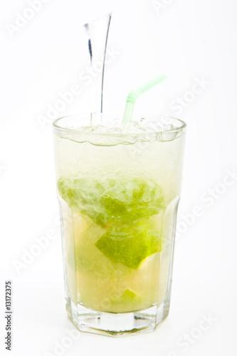 коктейль Кайпиринья.