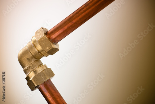 tuyau de plomberie raccord cuivre laiton de plombier stockfotos und lizenzfreie bilder auf. Black Bedroom Furniture Sets. Home Design Ideas