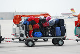 Fototapety Carrello con valigie