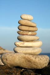 Pila di otto pietre