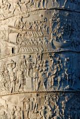 bassorilievi romani sulla colonna di Traiano a Roma in Italia