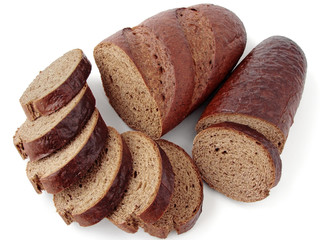 rye bread slices with halves of loaves