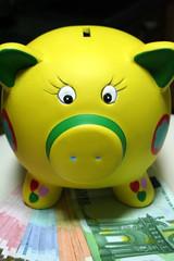 Mealheiro-Economia-Economy-Économie-Moneybox-Bolsa