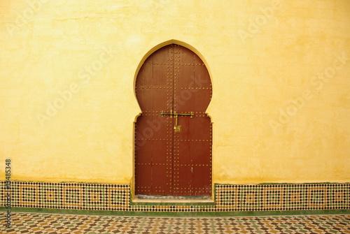 Porte d 39 une maison marocaine photo libre de droits sur - Description d une maison marocaine ...