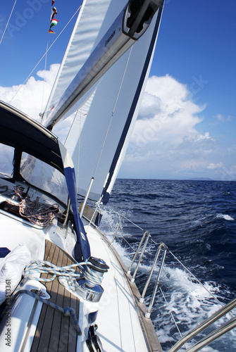 auf dem Segelboot © Nyomonyo