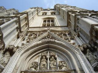 arche de la cathedrale saint michel de bruxelles