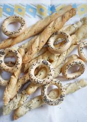 Cracknels and breadsticks