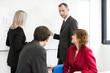 Personnages en réunion